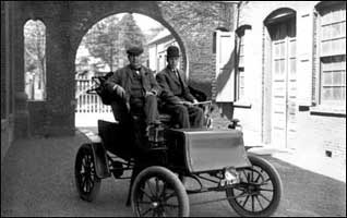4_1914_edison-electric-car